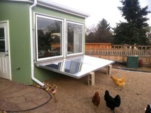 Off-Grid greenhouse with insulating light reflectors