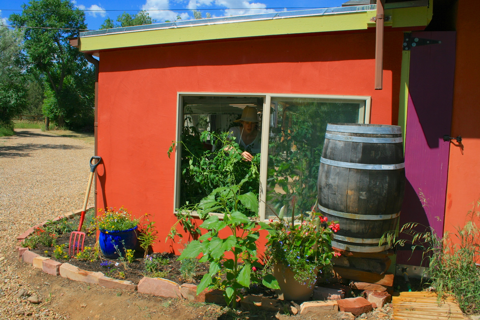 passive venting solar greenhouse