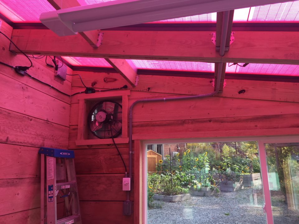"Ceres Builds a Solar Greenhouse with ""Pink"" Technology"